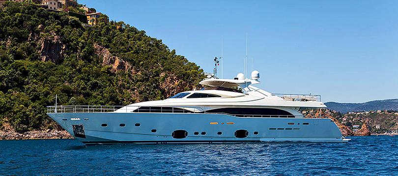 Ferretti - Nice 34 2009 TissoT Yachts Charter Switzerland