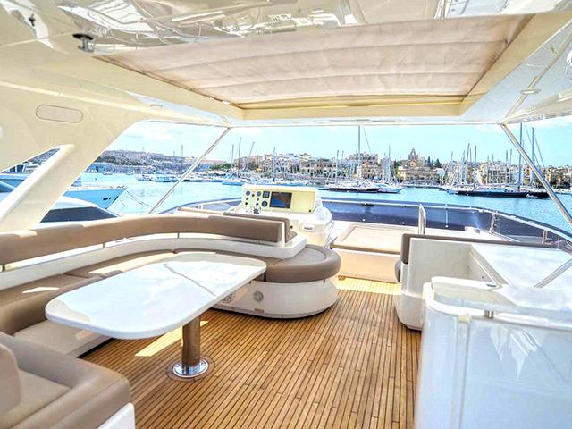 Yacht - Ferretti - 800