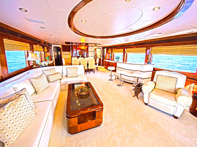 Yacht - Hargrave - Huntress