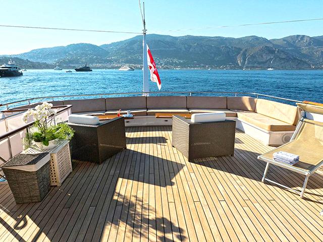 Yacht - SNCB -