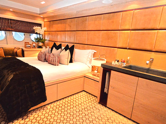 Yachts - TissoT Real Estate : Arno Leopard 34 pièces