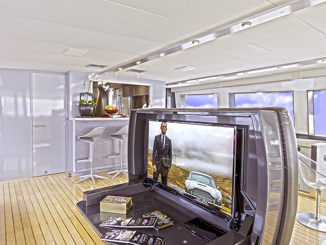 Yachts - TissoT Real Estate : Cheoy Lee Cheoy Lee 92 pièces