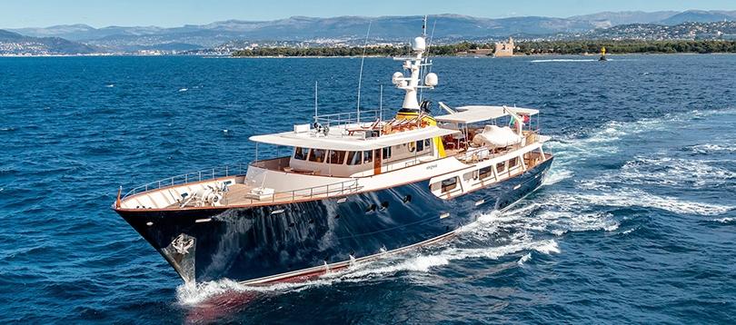Clelands Shipbuilding Company - Splendide  1967  TissoT Yachts Switzerland